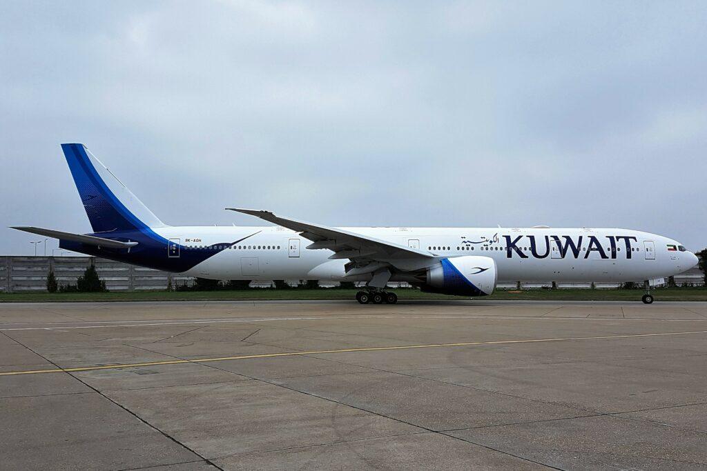 Kuwait Airways 777 on the runway